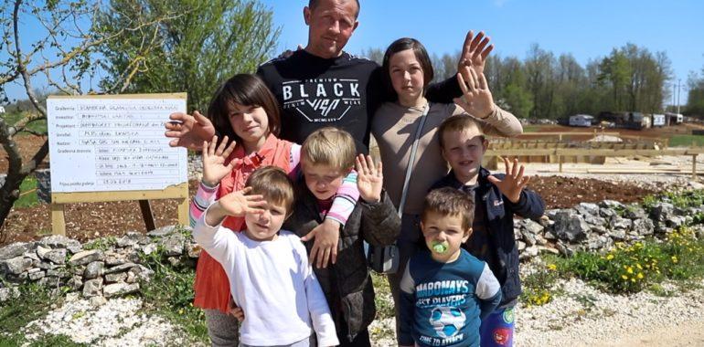 Hrvatski Caritas za izgradnju kuće obitelji Marinić u Istri donira 200.000,00 kuna