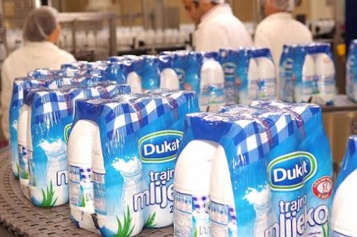 """""""Dukat"""" donirao 10.000 l trajnog mlijeka Caritasovim korisnicima diljem Hrvatske"""